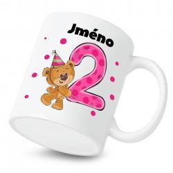 Hrnek Mám 2 roky s Medvídkem a jménem dítěte Dívka